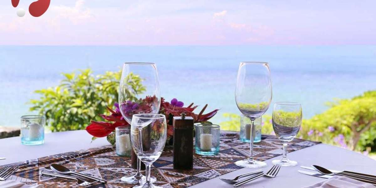What are the advantages of holding a wedding at Villa Uluwatu? Check Here